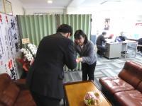 09_川端康夫候補選挙事務所 訪問 (1)